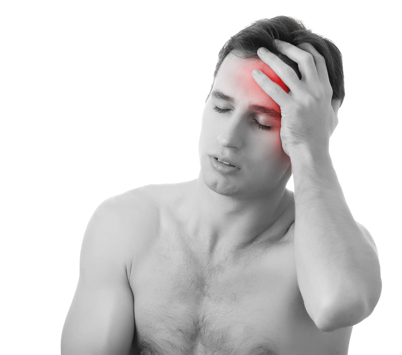 man with concussion pain